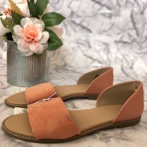 NWT Coral Sandals